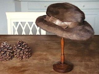 ロイヤルパステルミンクの優雅なハット帽