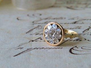 お花カップ型のダイヤモンドリング