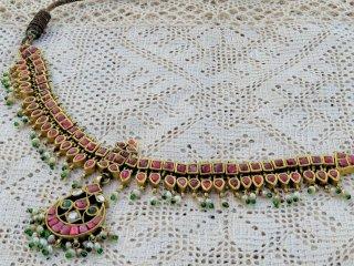 インドの古典的な宝飾ネックレス