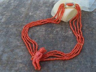 地中海珊瑚のカメオ4連ネックレス