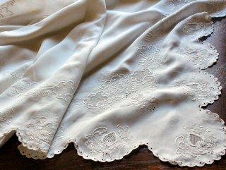 白刺繍のロベッシャ・リメイク用