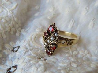 ガーネットとFOX真珠のリング