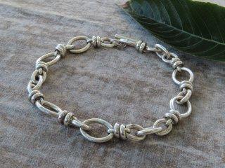 ポメラート67の銀の鎖チョーカー