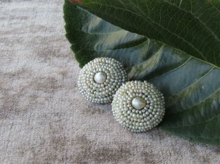 天然真珠と芥子パールのピアス