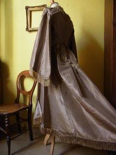 1860年頃の貴婦人のドレス