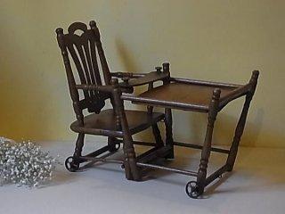 お人形用の椅子
