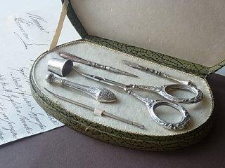銀のお裁縫道具セット・6ピース