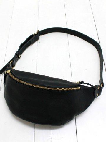 SLOW (スロウ) leather fanny pack 【rubono】 (300S61EG)