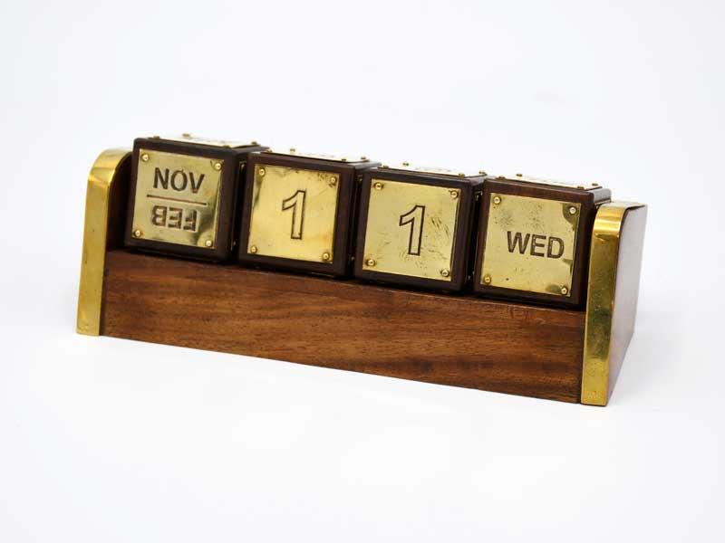 ブラス ウッド キューブカレンダー<br>