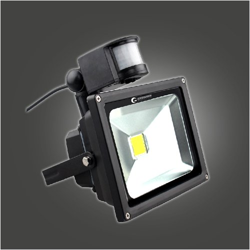 【6%OFFクーポン】LEDセンサーライト 20W 200W相当 投光器 人感 防犯灯 駐車場 昼光色 2200Lm 倉庫 工場 防犯ライト 防水 GOODGOODS(GY20…