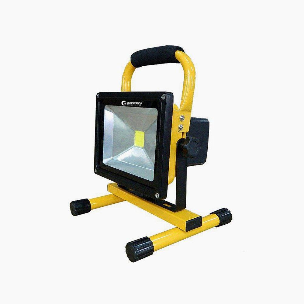 グッド・グッズ LED投光器 50W 500W相当 充電式 ポータブル投光器 夜釣り 看板灯 野球練習 キャンプ 集魚灯 防水 防災 震災対策 一年保証 YC…