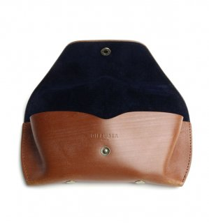 BRIDLE LEATHER EYEWEAR CASE / Light Brown & Navy