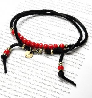 WHITE HEARTS BEADS BRACECODE / Black deer skin / Red beads
