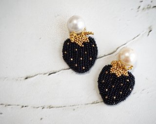 black berry Pierced&Earrings