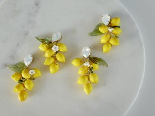 Lemon pierced& earrings  / White