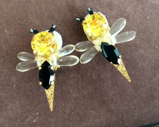 Little bee Pierced & Earrings