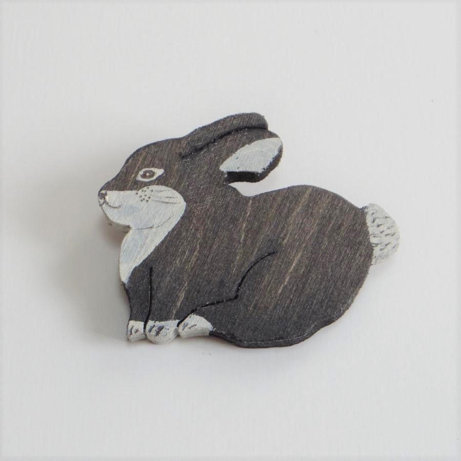 結城琴乃 焦がし絵ブローチ ウサギ 【ネコポスOK】