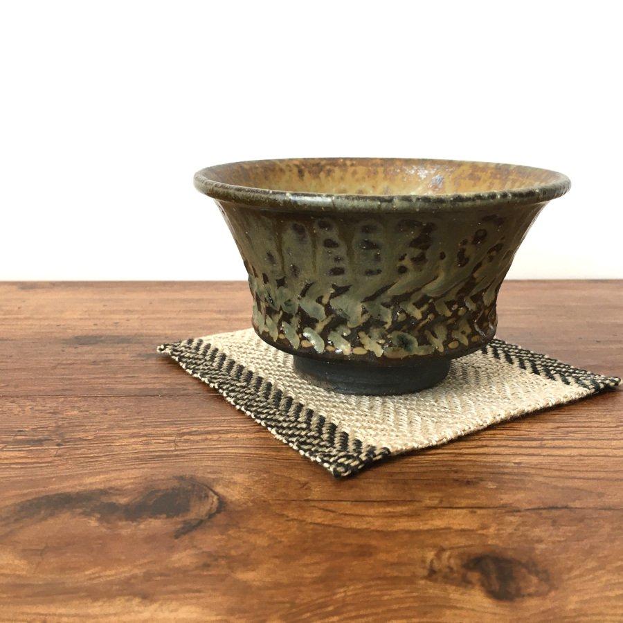岡村宜治 灰釉彫文 茶碗