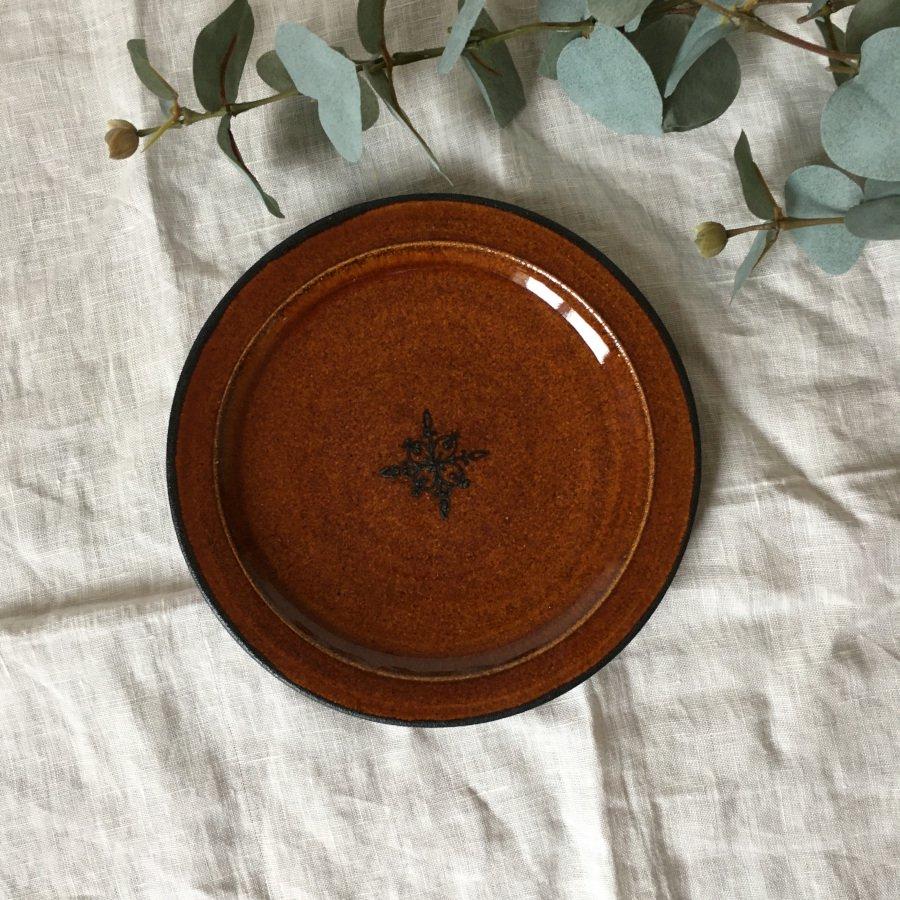 atelierBOKKO モチーフ リム皿 小 茶