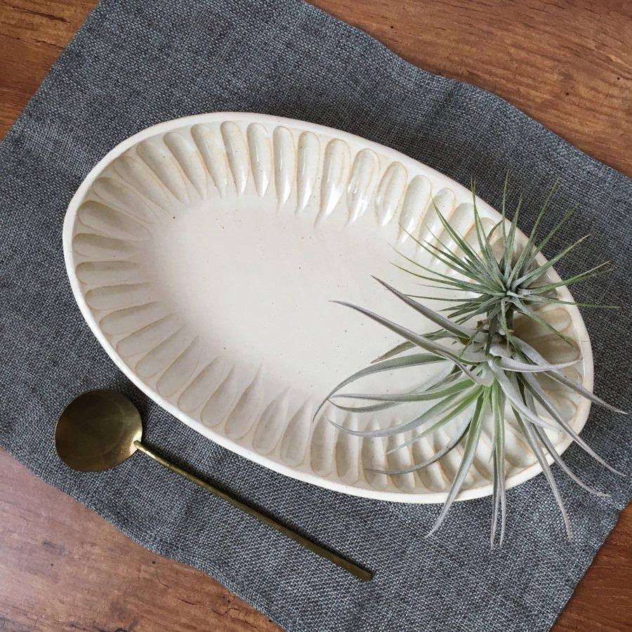 村山大介陶芸研究所 しのぎ楕円鉢 キナリ