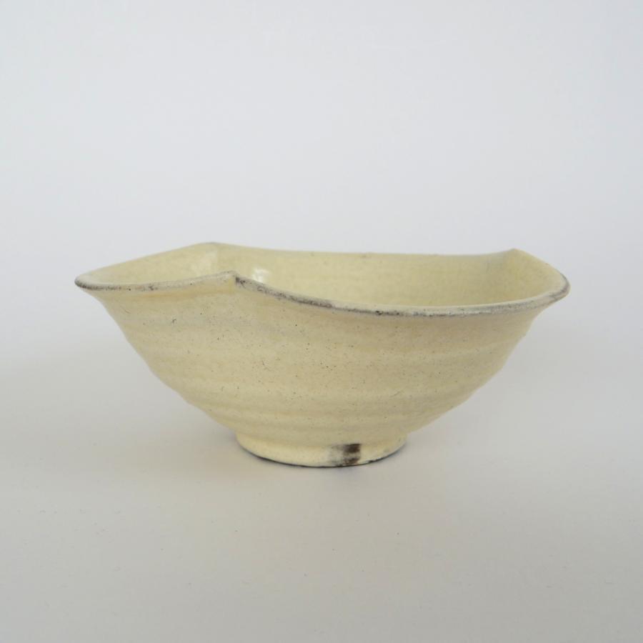 八木信樹 粉引輪花小鉢