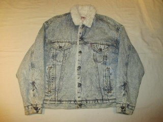 <img class='new_mark_img1' src='//img.shop-pro.jp/img/new/icons15.gif' style='border:none;display:inline;margin:0px;padding:0px;width:auto;' />Levi's Boa Denim Jacket 339