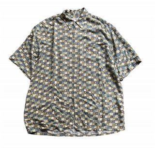 <img class='new_mark_img1' src='https://img.shop-pro.jp/img/new/icons15.gif' style='border:none;display:inline;margin:0px;padding:0px;width:auto;' />Pierre Cardin S/S Rayon Shirt(L)