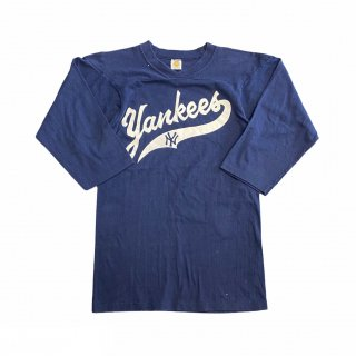 <img class='new_mark_img1' src='https://img.shop-pro.jp/img/new/icons15.gif' style='border:none;display:inline;margin:0px;padding:0px;width:auto;' />MLB New York Yankees L/S Tee