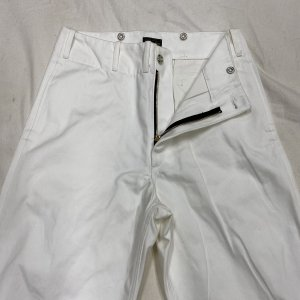 <img class='new_mark_img1' src='https://img.shop-pro.jp/img/new/icons2.gif' style='border:none;display:inline;margin:0px;padding:0px;width:auto;' />Vintage Style 1945 Prison Pants White