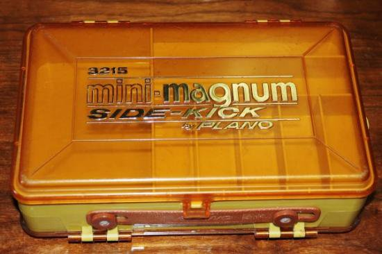 PLANO MINI-MAGNUM SIDE-KICK 3215
