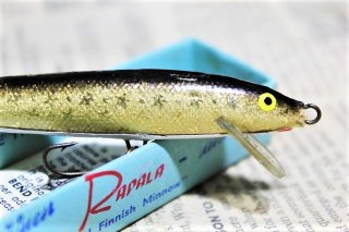<img class='new_mark_img1' src='https://img.shop-pro.jp/img/new/icons13.gif' style='border:none;display:inline;margin:0px;padding:0px;width:auto;' />OLD RAPALA FLOATING F9 [★STAR FOIL]