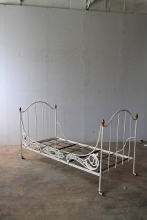 アイアン 折り畳み式ベッド