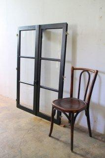 ダークシャビーガラス窓