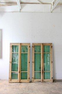木枠付きアンティークガラス窓(アイアンヴォレー付き)