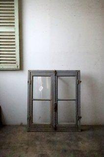 木枠付きフレンチガラス窓