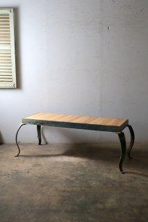 ライティングテーブル