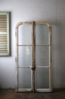 アンティーク 角丸のガラス窓