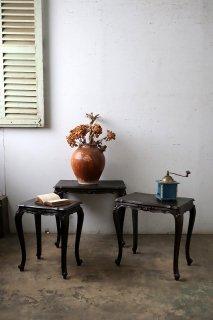 アンティーク ダークシャビーのネストテーブル