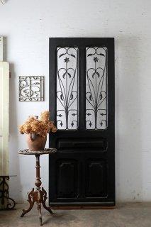 ダークシャビーアイアン飾り玄関ドア