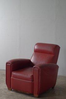 赤い一人掛けソファ