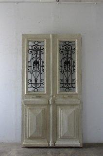 観音開き アンティークアイアン飾り 玄関ドア