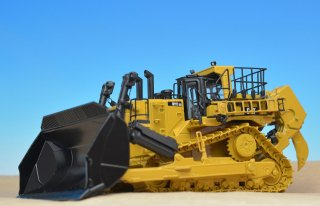 CAT D11T CD キャリードーザ 1:50<img class='new_mark_img2' src='https://img.shop-pro.jp/img/new/icons14.gif' style='border:none;display:inline;margin:0px;padding:0px;width:auto;' />