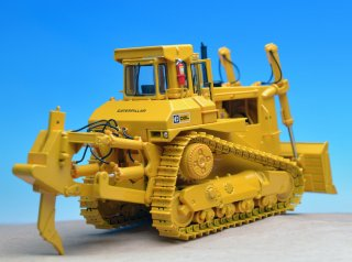 CAT D9L プッシュドーザ シングルシャンクリッパ  1/48<img class='new_mark_img2' src='//img.shop-pro.jp/img/new/icons14.gif' style='border:none;display:inline;margin:0px;padding:0px;width:auto;' />