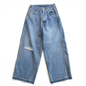 <img class='new_mark_img1' src='https://img.shop-pro.jp/img/new/icons1.gif' style='border:none;display:inline;margin:0px;padding:0px;width:auto;' />MAISON EUREKA WIDE STRAIGHT JEANS 273
