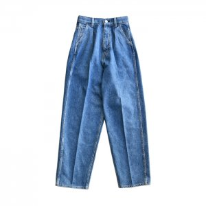 <img class='new_mark_img1' src='https://img.shop-pro.jp/img/new/icons1.gif' style='border:none;display:inline;margin:0px;padding:0px;width:auto;' />HOLIDAY ホリデイ TUCK DENIM PANTS タックデニムパンツ 21102526