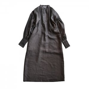<img class='new_mark_img1' src='https://img.shop-pro.jp/img/new/icons1.gif' style='border:none;display:inline;margin:0px;padding:0px;width:auto;' />HOLIDAY ホリデイ HEAVY LINEN DRESS ヘビーリネンドレス 21102528