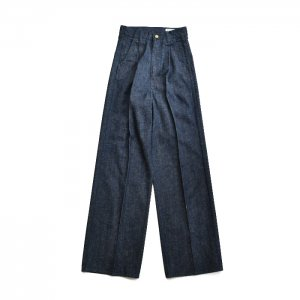 <img class='new_mark_img1' src='https://img.shop-pro.jp/img/new/icons1.gif' style='border:none;display:inline;margin:0px;padding:0px;width:auto;' />HOLIDAY ホリデイ TUCK DENIM PANTS(DRAG) タックデニムパンツ 21202728
