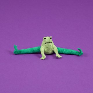 <img class='new_mark_img1' src='//img.shop-pro.jp/img/new/icons60.gif' style='border:none;display:inline;margin:0px;padding:0px;width:auto;' />Hand Crochet Frog (ハンド・クロケット・フロッグ)