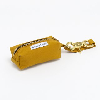 <img class='new_mark_img1' src='https://img.shop-pro.jp/img/new/icons14.gif' style='border:none;display:inline;margin:0px;padding:0px;width:auto;' />The Scot Pooch Pouch, Mustard (ザ・スコット・プープポーチ, マスタード)