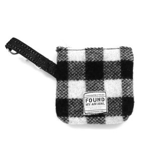 <img class='new_mark_img1' src='//img.shop-pro.jp/img/new/icons51.gif' style='border:none;display:inline;margin:0px;padding:0px;width:auto;' />Found Multi-Use Pouch ,Black and White Plaid (ファウンド・マルチユース・ポーチ ,ブラック・アンド・ホワイト・プラッド)